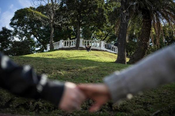 Vecinos del Parque Lezama resisten el enrejado