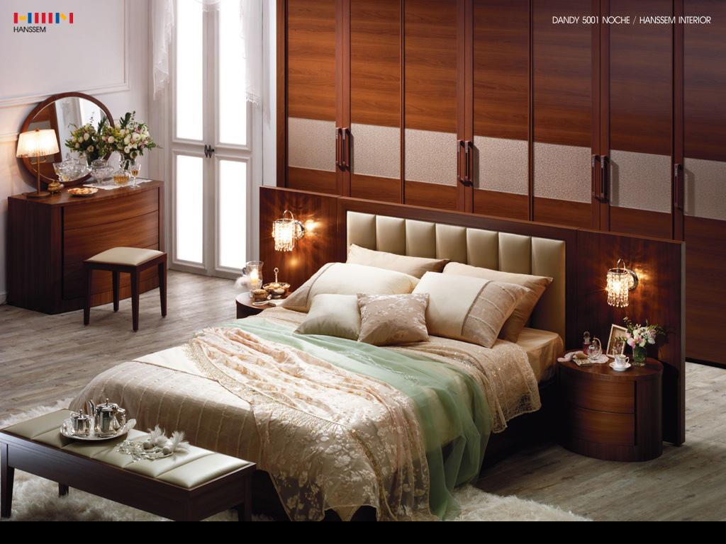 http://2.bp.blogspot.com/-60rsaNoMTl8/TV6yDtf4zsI/AAAAAAAADjg/kjon6slJX-I/s1600/Interior_Classical_bedroom_interior_005016_.jpg