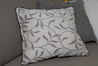 poszewka, poduszka, wypustka, z zasłony, beż, beżowa, ozdobna, pillowcase, pillow, tab, the curtains, beige, beige, decorative,