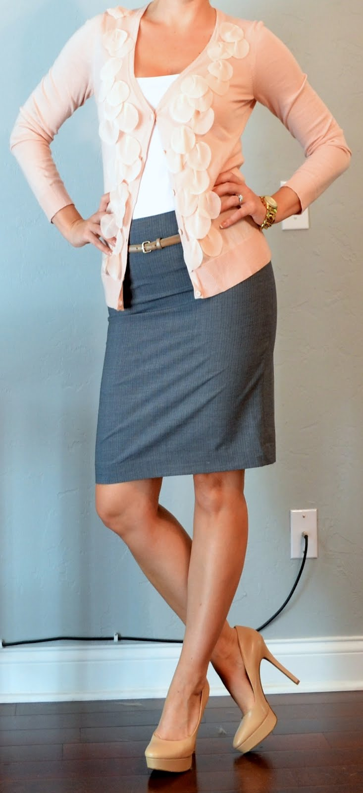 Outfit Posts outfit post pink cardigan grey pencil skirt gold belt