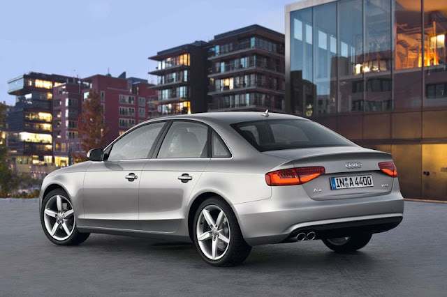 2013 Audi A4 Saloon Back Exterior