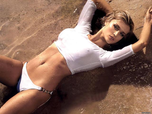 Fotos da polaca Joanna Krupa nua e pelada
