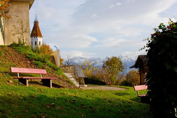 Exploring Thun Castles
