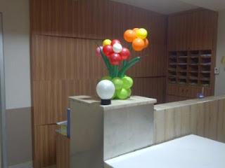 bunga balon dengan tangkai