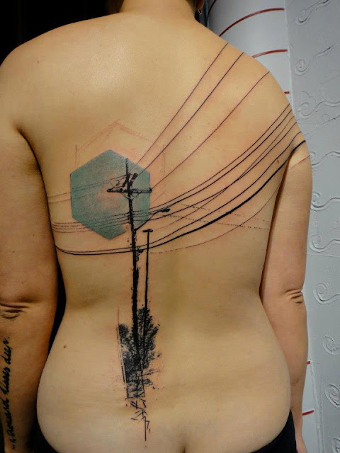 Tatuaje abstracto de Xoil, Needles Side