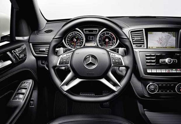2017 Mercedes ML-Class Interior