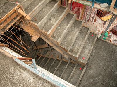 El maestro de obras xavier valderas el encofrado de hormig n for Como hacer una escalera de cemento
