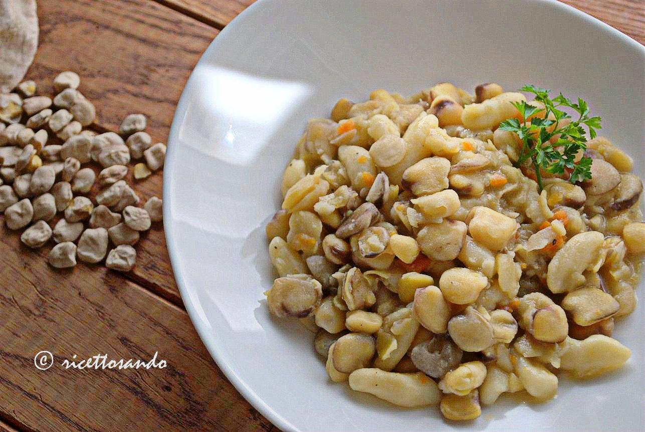 Cavatelli con le cicerchie ricetta primi di pasta fatta in casa e legumi