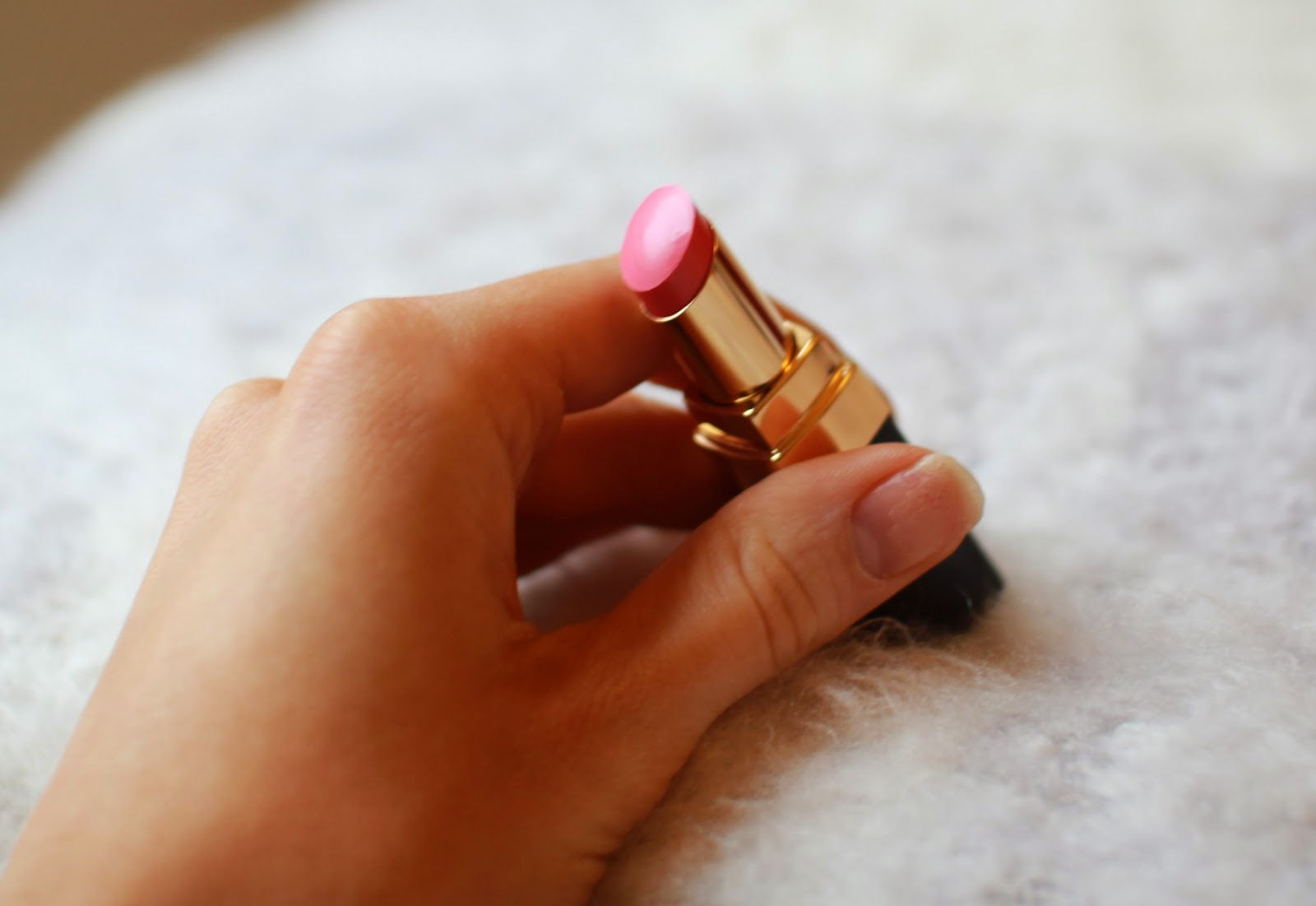 Chanel Rouge Coco Shine in Romance