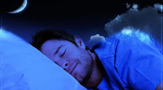 """  دراسة تكشف """"الإعجاز"""" في النوم على الجانب الأيمن"""