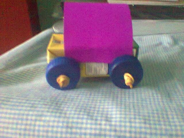 Membuat Mobil-Mobilan Dari Bahan Bekas.. cukup mudah lho..