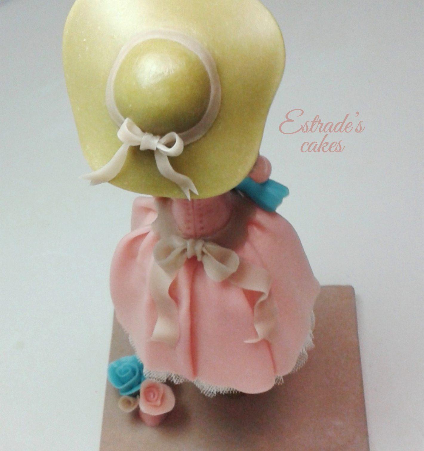 muñeca alta vintage en porcelana fria-3