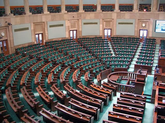 Pusty Sejm za to w bufecie pełno posłów