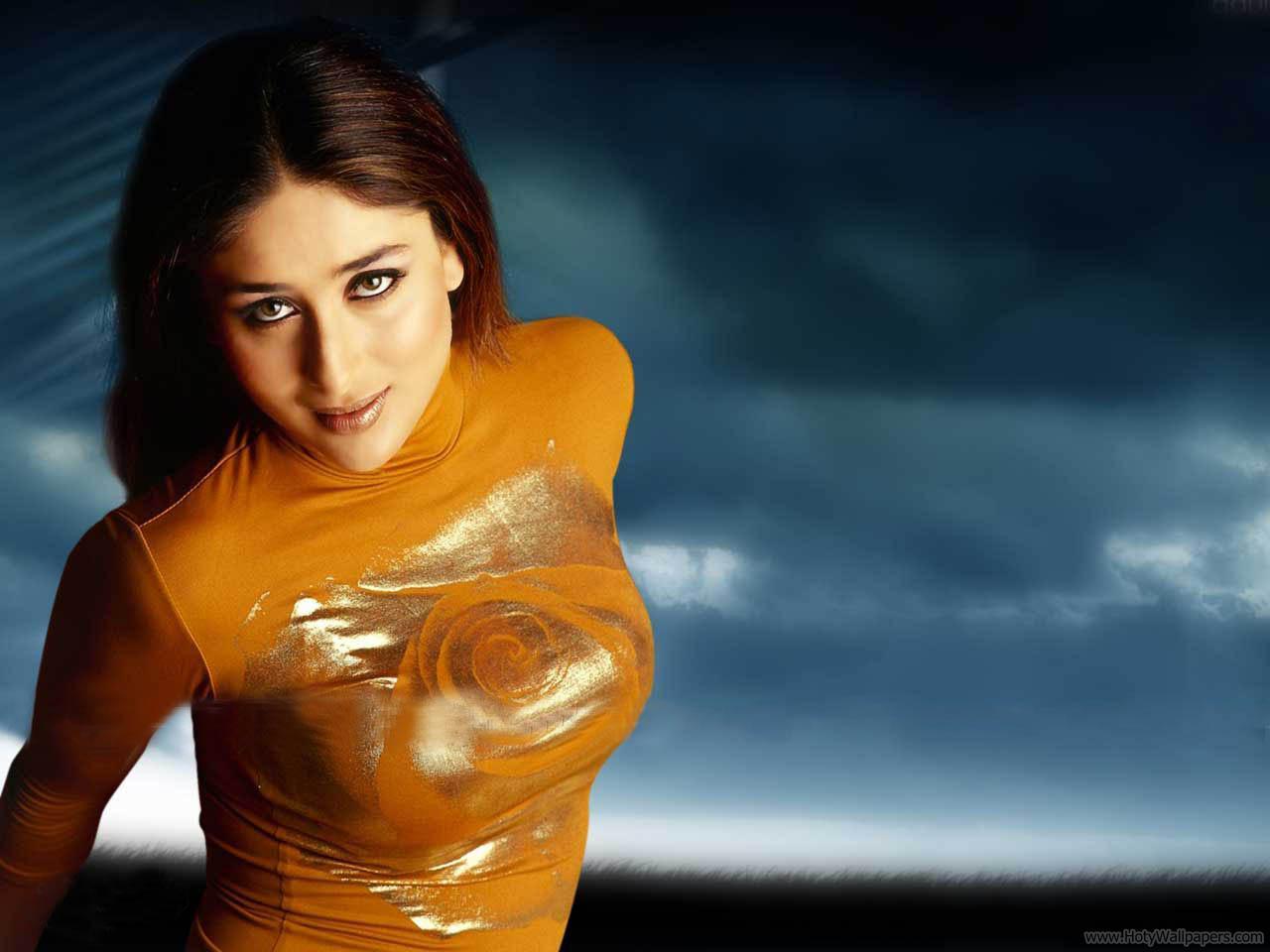 http://2.bp.blogspot.com/-63lnUxy276o/TwsAfn2ecxI/AAAAAAAADbY/Upfp7NytMGc/s1600/Spicy_Kareena_Kapoor_Agent_Vinod_Wallpaper.jpg