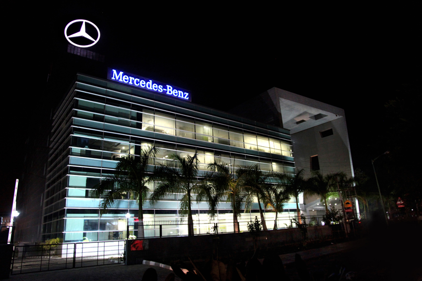 February 2013 world of wheels for Mercedes benz website germany