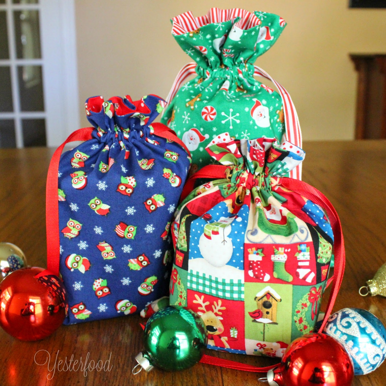 Ways To Decorate Gift Bags -