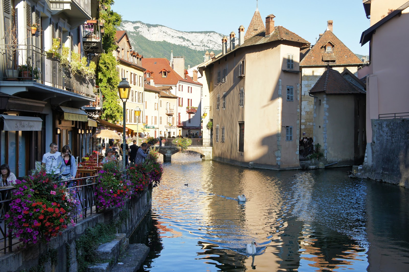 the stroke blog annecy 39 s thiou canal. Black Bedroom Furniture Sets. Home Design Ideas
