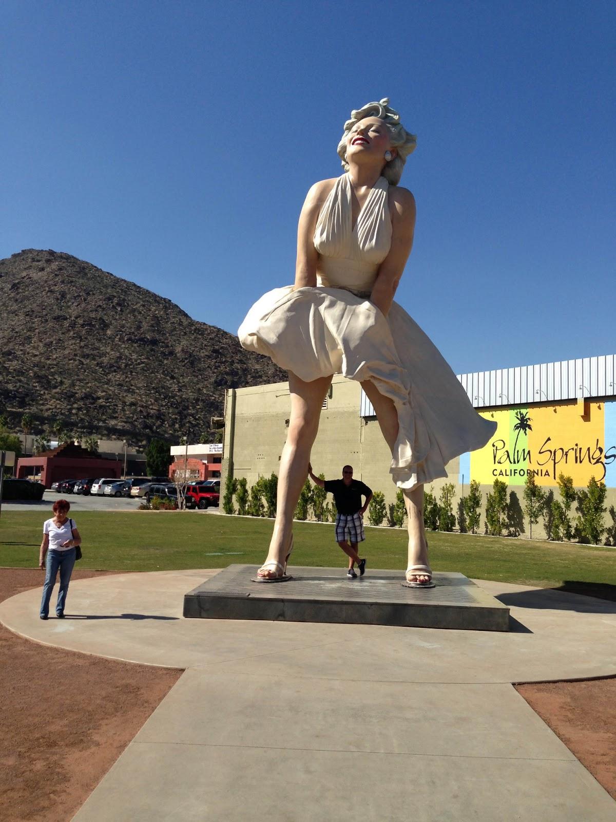 http://2.bp.blogspot.com/-64fOaVc2Ins/UT4E06n1LyI/AAAAAAAAAL4/ttjZ_oPQEqc/s1600/Statue.jpg