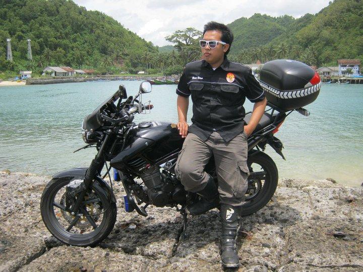 TOURING MOTOR OFFROAD HONDA TIGER BLACK SOLO,SURAKARTA INDONESIAN-By