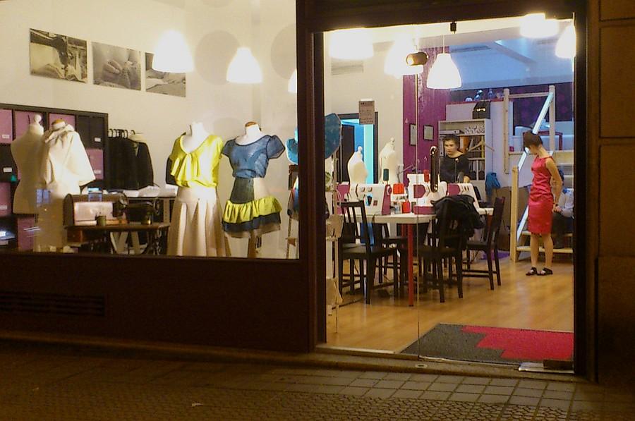 costura,Ana Dedal,Bilbao,taller,comercio,vestido