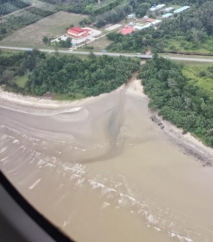 Gambar dari pesawat MAS Wings Twin Otter, pengalaman naik pesawat MAS Wings Twin Otter, gambar MAS Wings Twin Otter