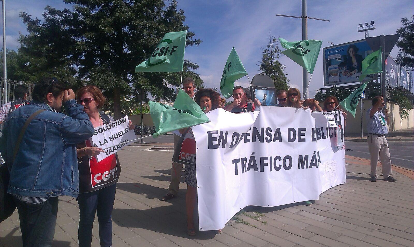 Asociaci n de examinadores de tr fico protestas de - Oficina de trafico en malaga ...
