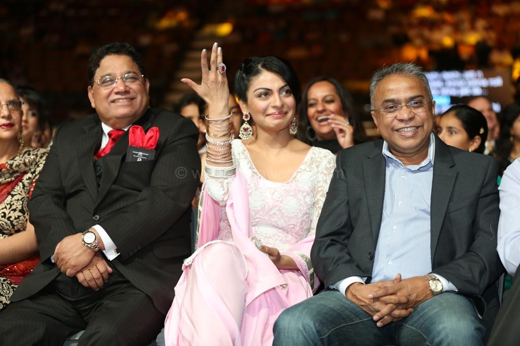 Kapil Sharma Nerru Bajwa Sonu Sood punjabi awards 2012 PIFFA