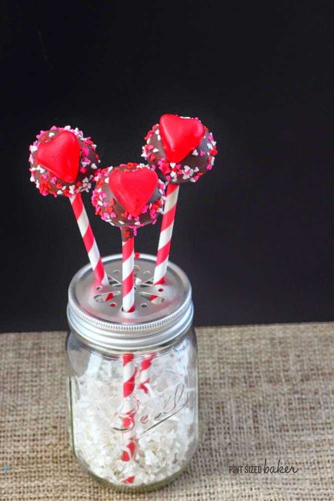 Simplistic is always best! Add gummy hearts to basic cake pops for a fun Valentine's treat!