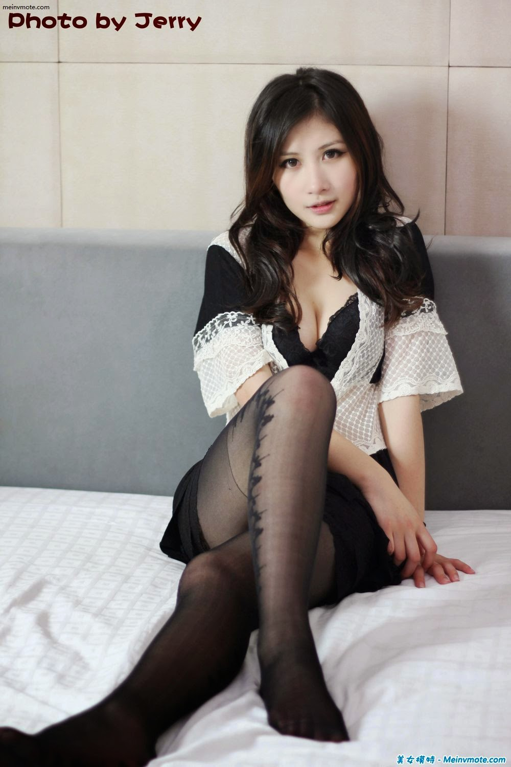 The hotel's small private shoot wife in bed