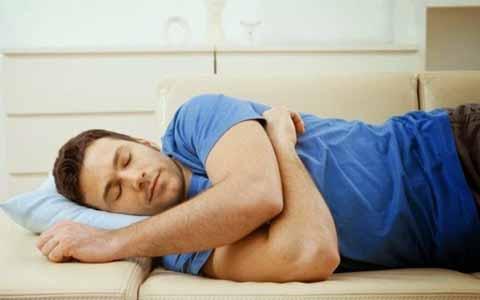 Inilah Alasannya Kenapa Anda Dianjurkan Tidur Menghadap Sebelah Kanan