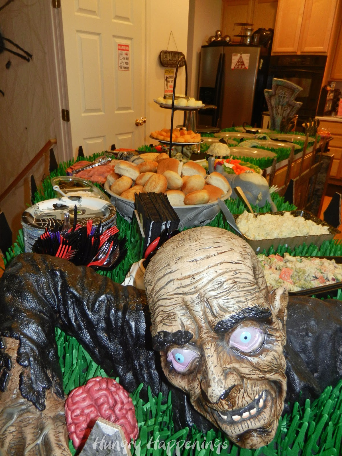 Zombie Party - Party Planning Ideas for your Zombie Themed Event