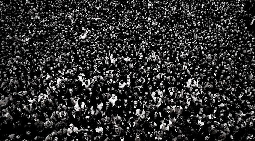 ''100 Bin Kişiydiler''