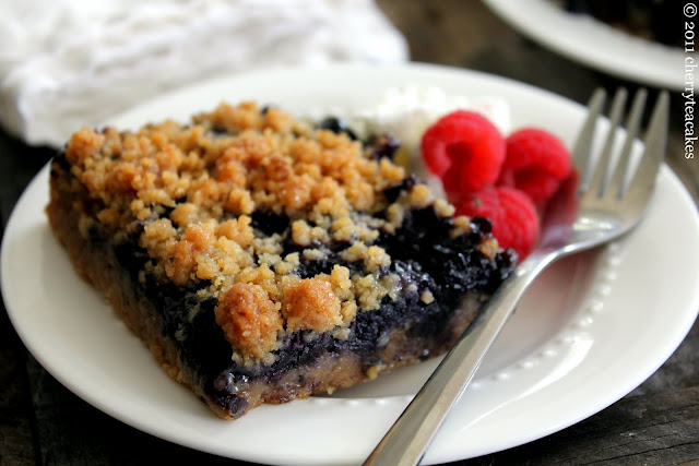 Blueberry Cobbler Bars recipe from cherryteacakes.com