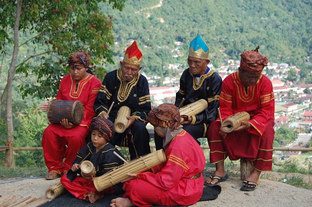 Kedudukan Seni Pada Masyarakat Indonesia