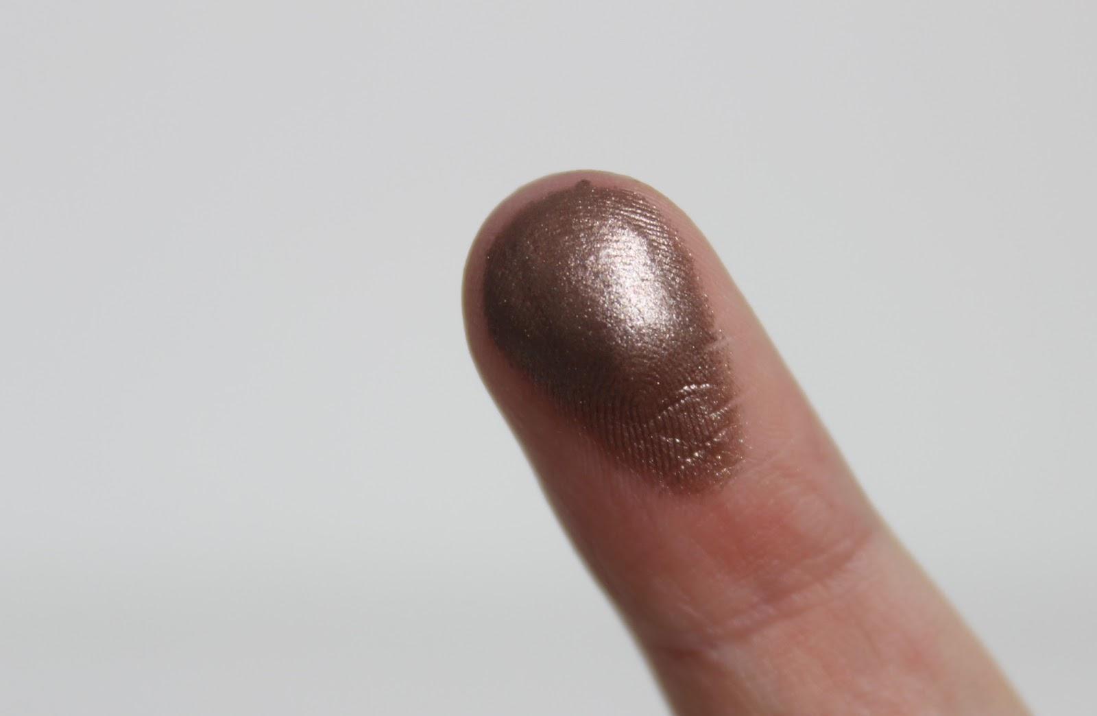 BELLES BOUTIQUE   UK BEAUTY & MUMMY BLOG: L'Oréal Infallible Eyeshadow- Bronzed Taupe