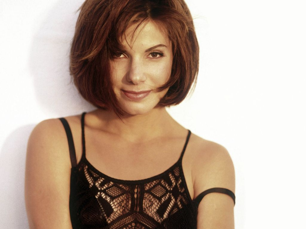 Sandra bullock hairstyle wallpapers celebrity hairstyle ideas for Medium brown hairstyles