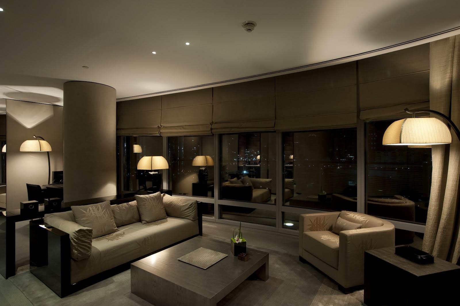 Passion for luxury armani hotel in dubai burj khalifa tower for Luxury hotel suites in dubai