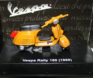 Miniatur Motor Vespa Rally 180 (1968)