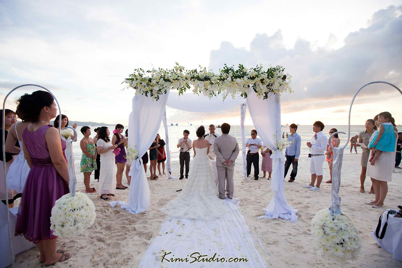 The World According To Denise Friday Weddings Time To Hit The Beach