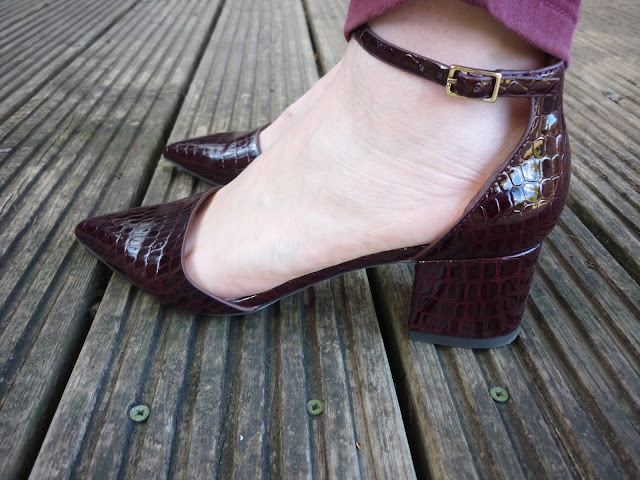 Topshop Oxblood Pointy Croc-Effect Mid-Heel Shoes | Petite Silver Vixen