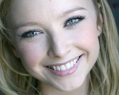 Elisabeth Harnois Cute Wallpaper