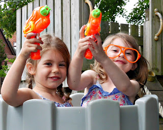 the girls with water pistols