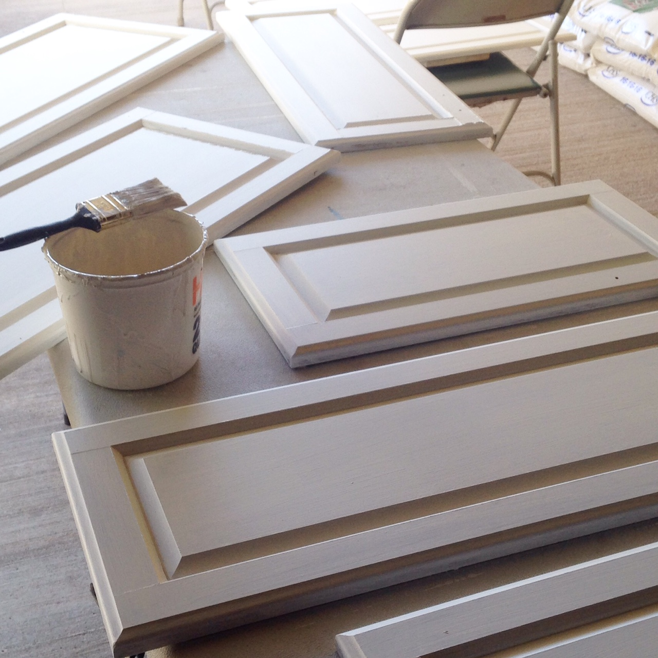 Painting cabinet doors (Behr Swiss Coffee)