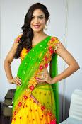 Reetu varma sizzling in half saree-thumbnail-20