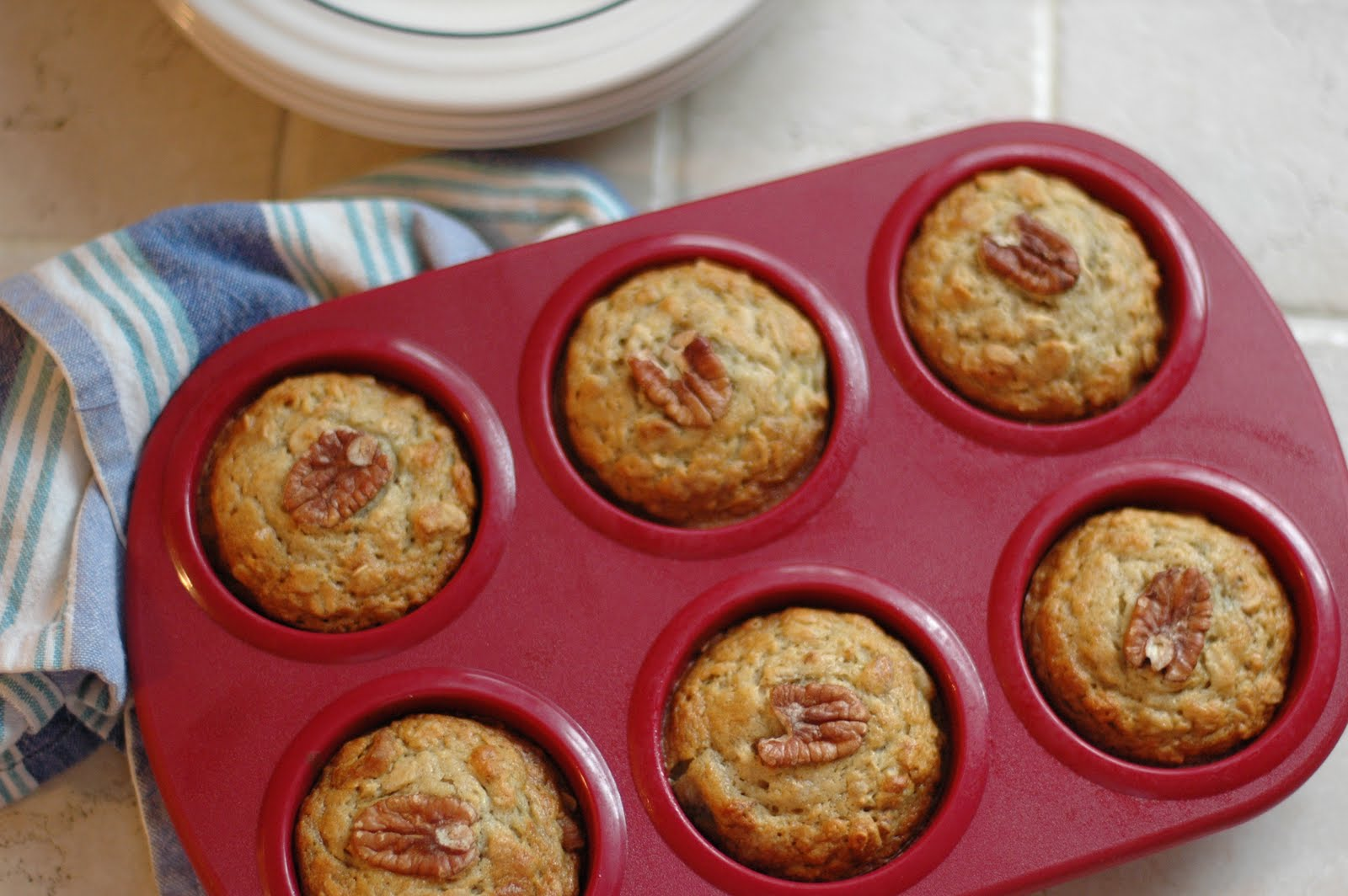 Early morning banana oat muffins