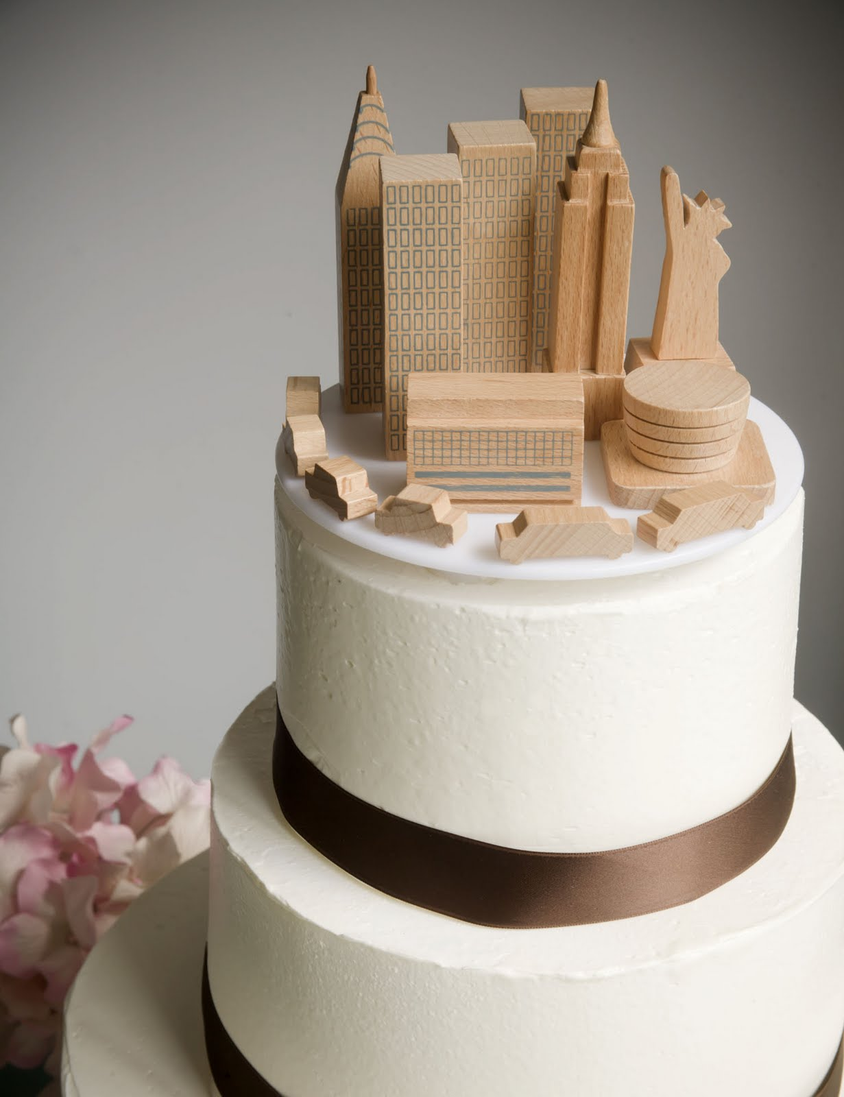 A Simple Cake Wedding Cake Topper NYC Skyline