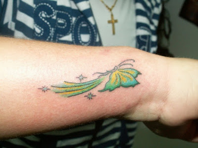 tatuagem tatoo Borboleta verde pulso