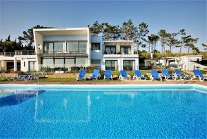 Casa do Lago, heated and gated pool villa