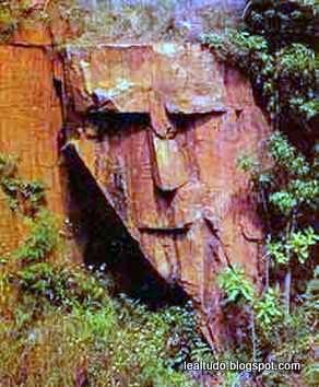 Mountain Face - Rosto de Montanha - Pareidolia-001