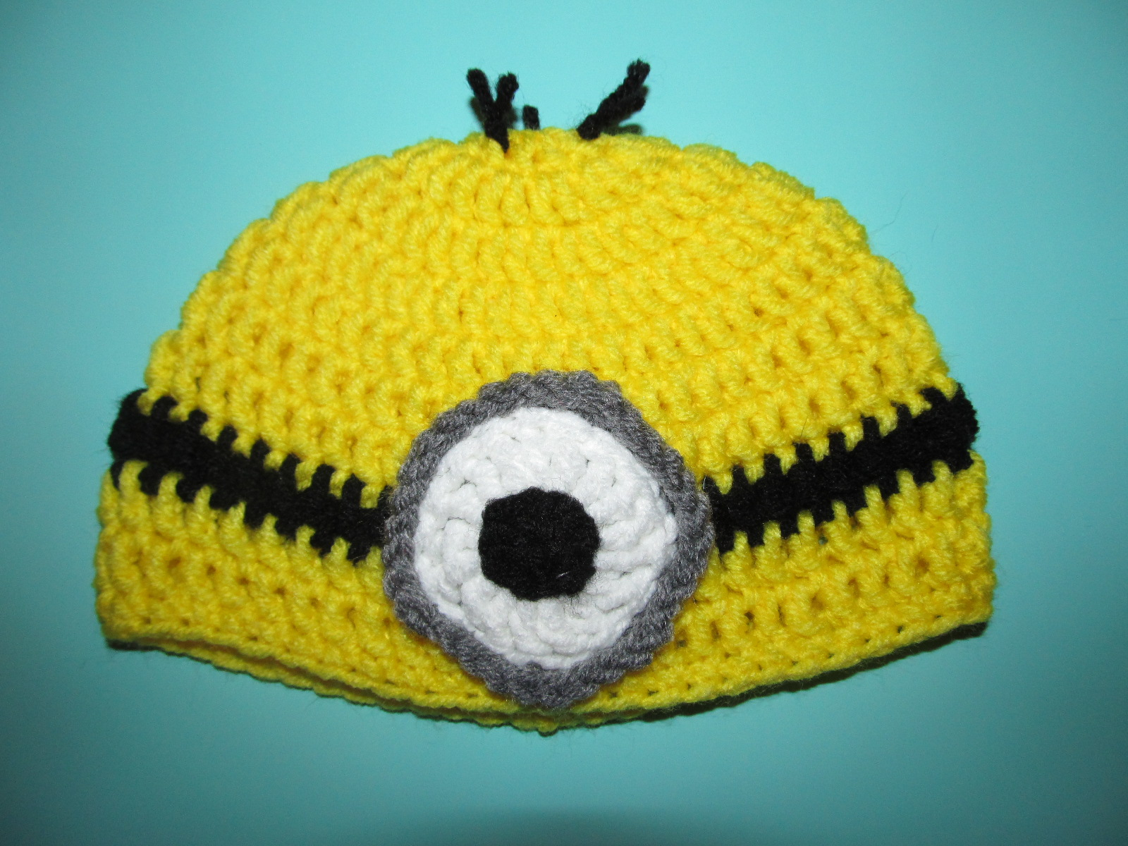 Minion Knit Hat Pattern Free : Simply Crochet and Other Crafts: Despicable Me Minions Crochet Hat